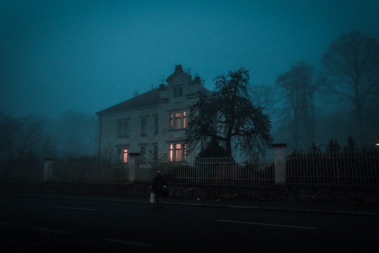 HAUNTED HOTELS FOR THIS HALLOWEEN